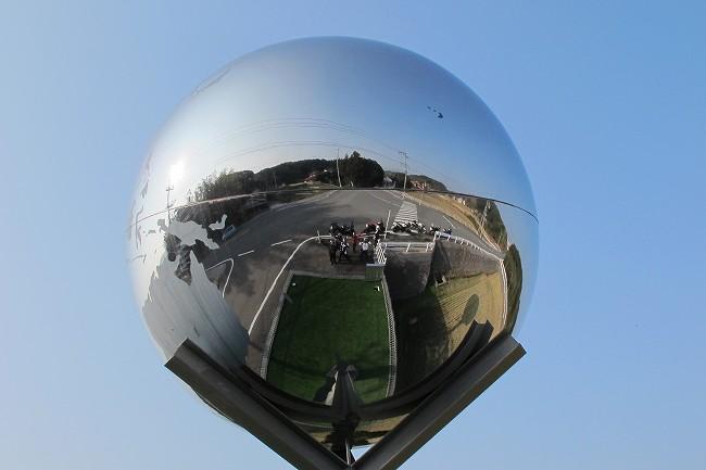 シルバー地球儀.jpg