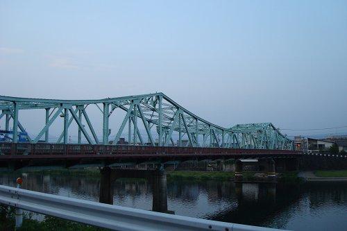 三隈川を渡ります.jpg