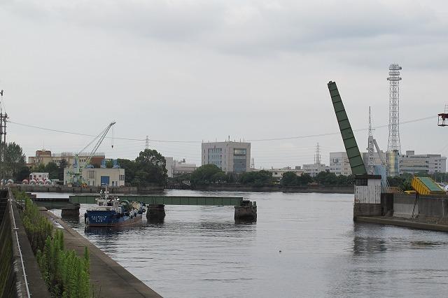 名古屋港跳上橋 (1).jpg