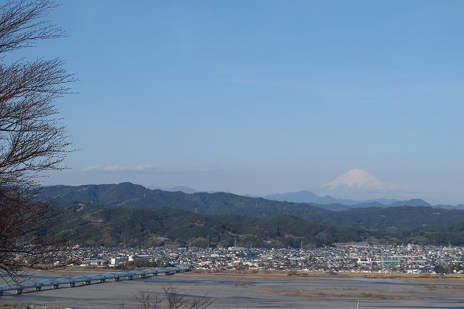 富士と橋梁.jpg