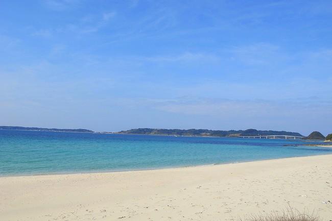真っ白な砂浜.jpg