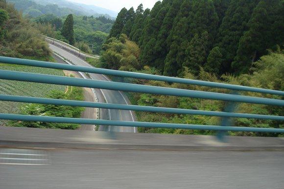 苦手なループ橋.jpg